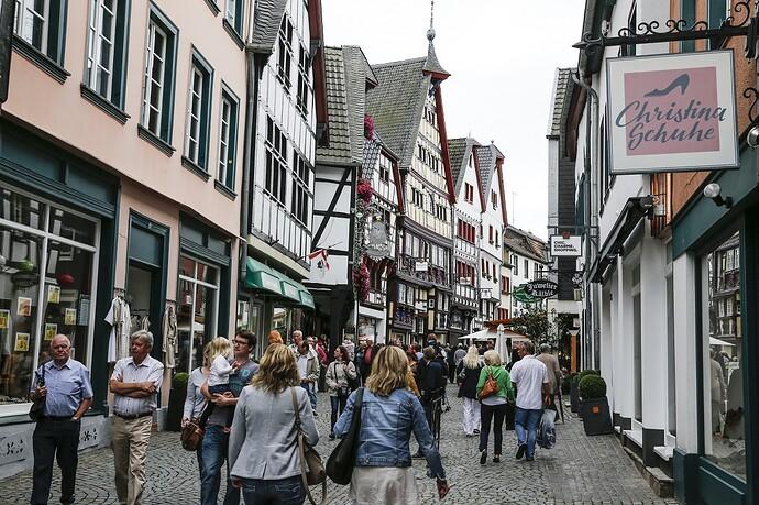 Shoppen-im-City-Outlet-Bad-Münstereifel
